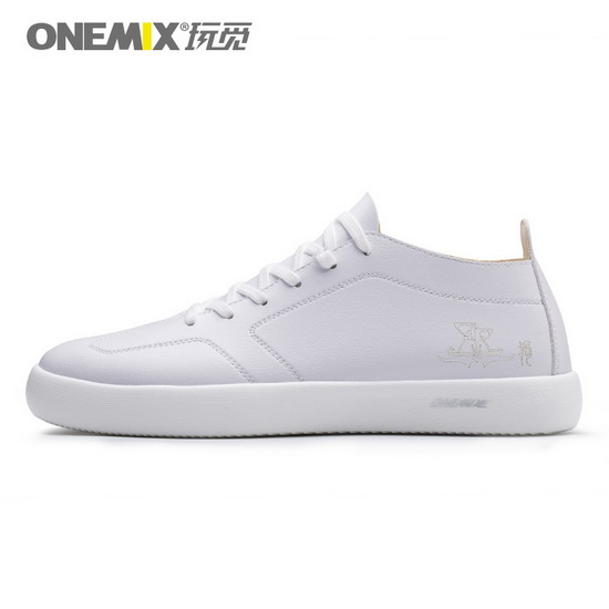 White Aquila Sneakers ONEMIX Outdoor Men's Skate Shoes