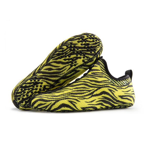 Yellow/Black Striped ONEMIX Indoor Quick-Dry Slipper Socks