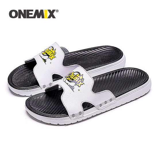 White/Black Comfortable Summer Sandals ONEMIX Beach Men's Shoes